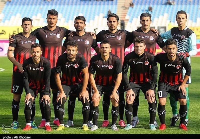 دیدار مشکی پوشان - ملوان با وجود حضور بازیکنان در زمین لغو شد