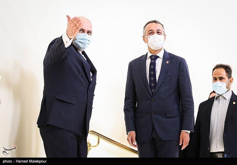 ظریف: گفت وگوی عالی با وزیر خارجه سوئیس داشتم